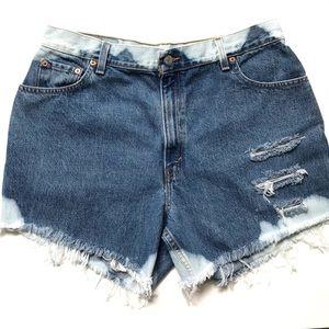 Vintage Levis Distressed Bleached Denim Shorts 32